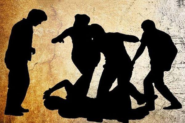 বাড়িতে রেখে এল পুলিশ, আধাঘণ্টার মধ্যেই পিটিয়ে মারল প্রতিপক্ষ