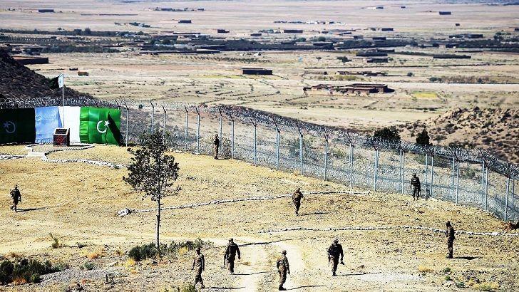 পাকিস্তানে দুটি সন্ত্রাসী হামলায় ১০ সেনা নিহত