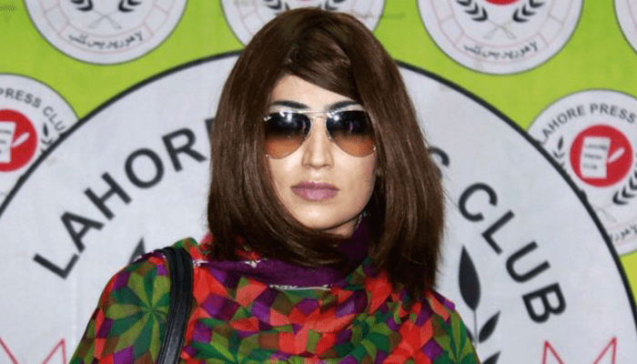 পাকিস্তানি তারকা কোয়ান্দিলকে হত্যার দায়ে ভাইয়ের যাবজ্জীবন