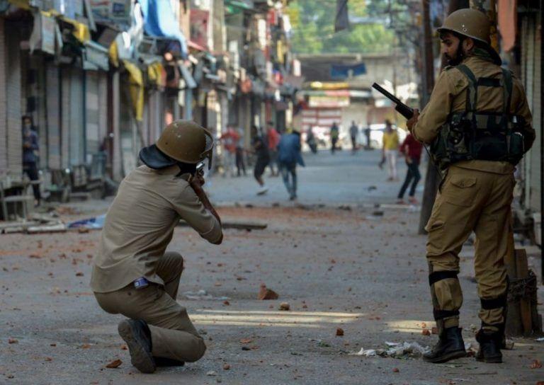 ভারতীয় বাহিনীর গুলিতে ৬ কাশ্মীরি নিহত