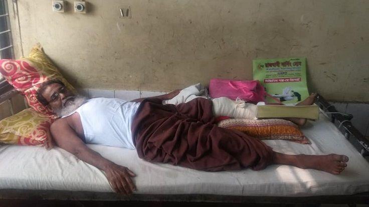 হাসপাতালে চিকিৎসাধীন মুক্তিযোদ্ধা মো. শাজাহান ভূঁইয়া