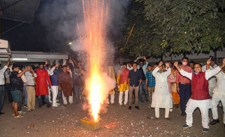 বিহারে সরকার গঠন করতে যাচ্ছে এনডিএ, মোদির শুভেচ্ছা