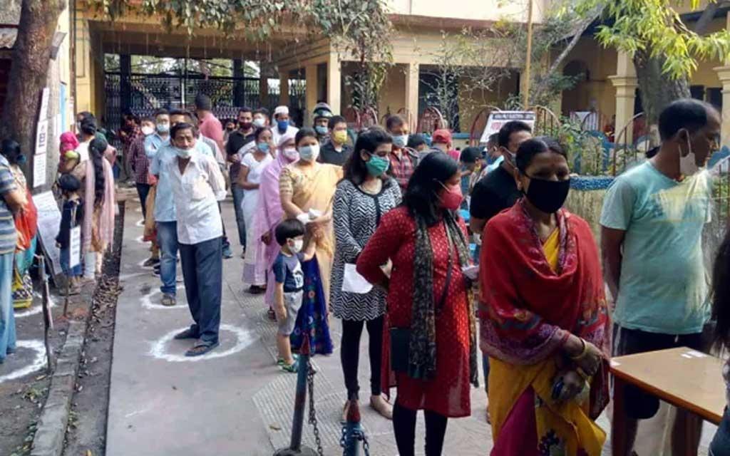 বিধানসভার নির্বাচন: পশ্চিমবঙ্গে চতুর্থ দফায় ভোটগ্রহণ চলছে