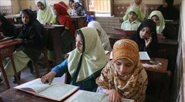 পাকিস্তানে শিক্ষকের অভাবে ৬ হাজার ৮৬৬ স্কুল বন্ধ