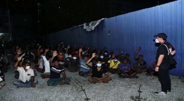 মালয়েশিয়ায় বাংলাদেশিসহ ৩২৮ শ্রমিক আটক